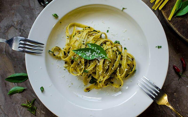 italian-cuisine-cutlery-delicious-sml