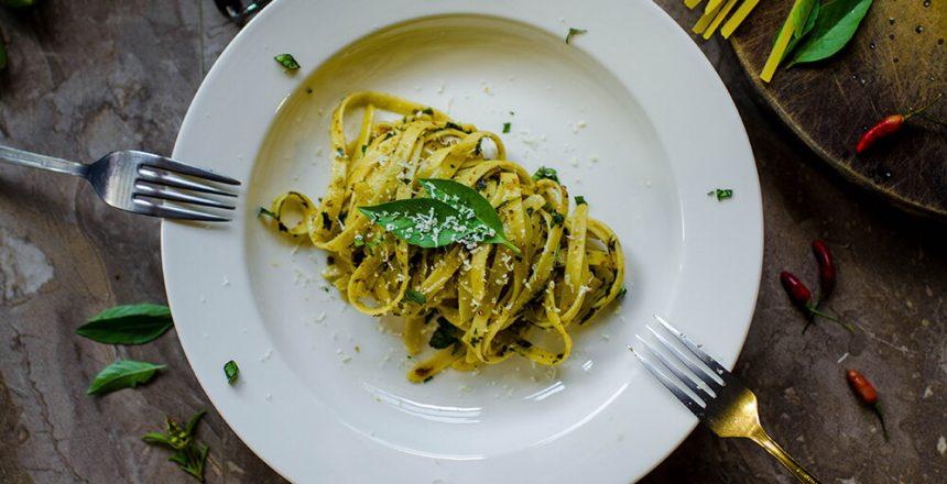 italian-cuisine-cutlery-delicious